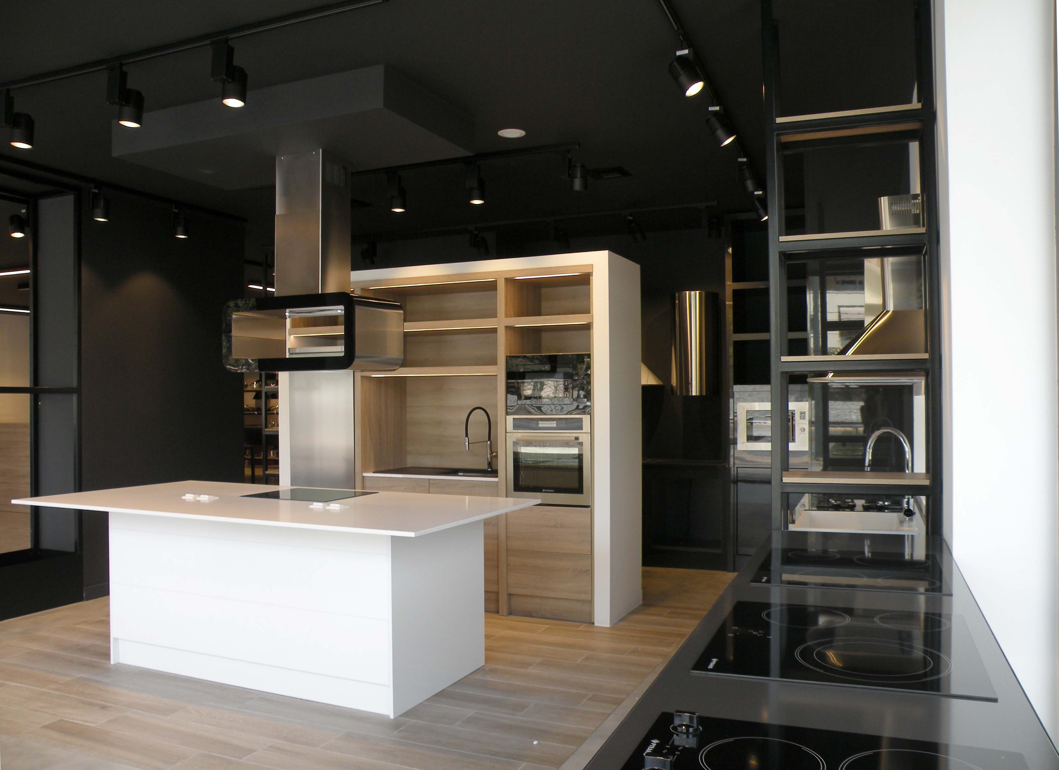 Kitchen Bath Hub The New Pyramis Showroom In Athens